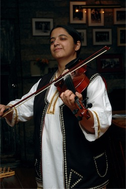 Bajsa Arifovska violin photo